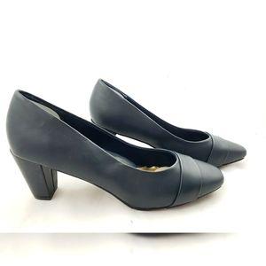 Soft Style Navy Blue Heels 9